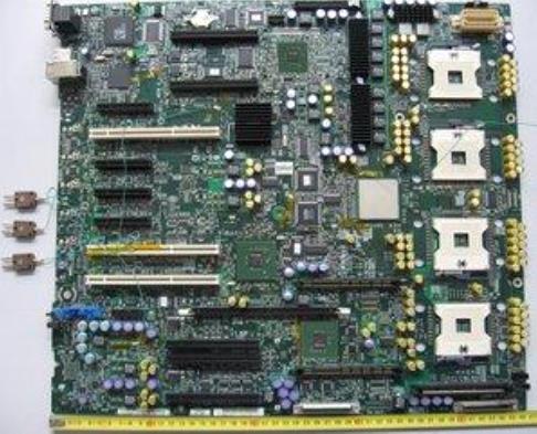서버 보드 위의 BGA 부품